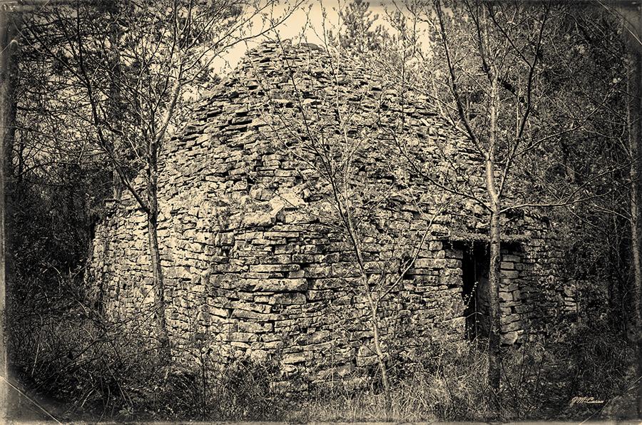 Cabane-coteau-ceou-mazut