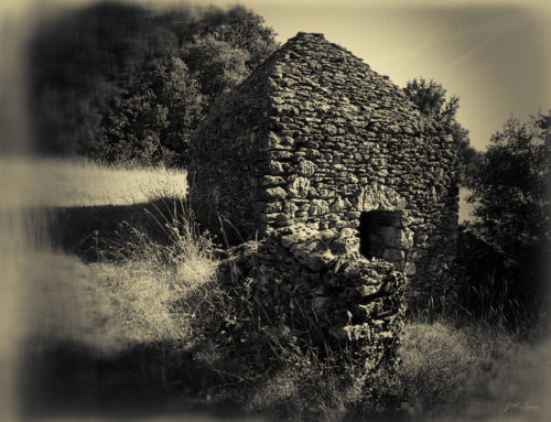 Cabanes et paysages lithiques